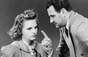 Fetele si-ar dori sa vorbeasca mai mult cu tatii despre sex