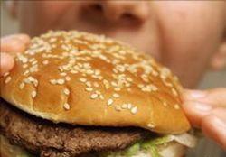 Fetitele care mananca multa carne intra mai repede la pubertate