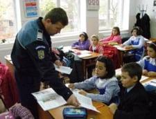 Fiecare scoala va fi pazita de un politist, pentru a combate violenta