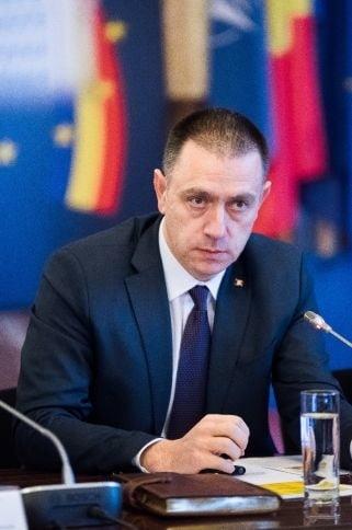 """Fifor acuza Opozitia ca face joc politic pe securitate nationala, pentru ca-i cere demisia dupa gafa """"balistica"""""""