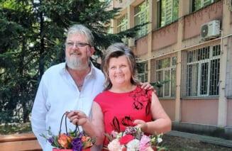 """Fiica preotului care a pierit, alături de soție, într-un incendiu provocat de trăsnet: """"Plănuiam să ne revedem duminică. Acum am venit acasă să vă conduc pe ultimul drum"""""""