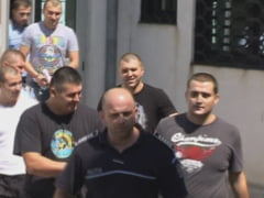 Fiii primarului din Deta si cei 3 prieteni ai lor implicati in scandalul cu sabii vor sta dupa gratii pe toata perioada procesului. Ei au fost mutati deja la Penitenciarul Popa Sapca
