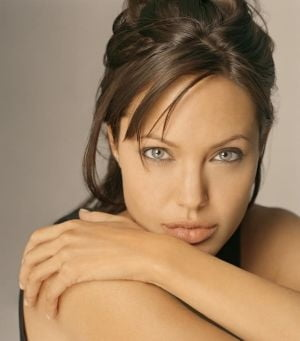 Filmul Angelinei Jolie a adus in cinema doar 12 spectatori, in Serbia