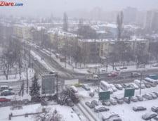 Filmul unei zile de iarna in plina primavara: Drumuri si scoli inchise, trenuri si zboruri anulate (Galerie foto&Video)