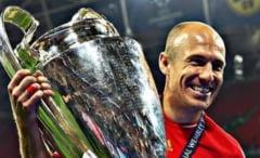 Final de carieră la 37 de ani pentru un fotbalist uriaș. A câștigat Liga Campionilor si opt titluri de campion în Bundesliga