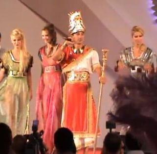 Final de carnaval la Mamaia cu Radu Mazare in rolul sultanului Suleyman Magnificul