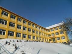 Final de proiect la Anina. Peste 3 milioane de lei au fost investiti in liceul din localitate