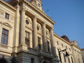 Financial Times: Reducerea dobanzii de politica monetara, un joc riscant pentru Romania