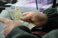 Finantistii gorjeni au depasit anul acesta planul la incasari