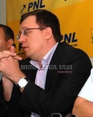 Finul lui Fenechiu a fugit din partidul independentilor