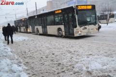 Firea: Elevii din Bucuresti pot intarzia la ore, marti si miercuri, fara sa li se puna absente