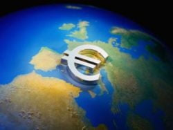 Fitch: Romania nu va putea adopta euro inainte de 2015