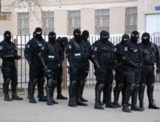 Fiul jurnalistului Sorin Ovidiu Balan, saltat de politisti pentru evaziune de un milion de dolari