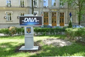 Flagrant DNA in cazul unei spagi de sute de mii de euro. Un barbat sustinea ca poate obtine achitarea intr-un proces de coruptie