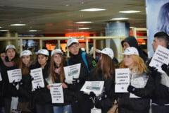 Flashmob anticoruptie in pasajul din Piata Universitatii (Galerie foto)