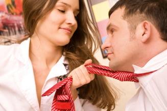 Flirtul si sexul la locul de munca - vezi ce si cat rezista