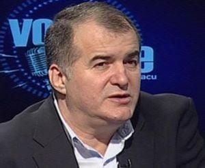 Florin Calinescu, despre gradele lui Basescu si cele ale Academiei Catavencu