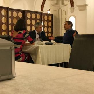Florin Iordache explica ce facea la restaurant cu judecatorul CCR Daniel Morar: Am stat la masa cu o colega de a mea, cu niste hartii