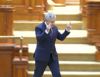 Florin Iordache se alege cu plangere penala dupa gestul obscen facut in Parlament