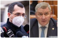 """Florin Roman (PNL), atac la adresa lui Vlad Voiculescu: """"Asa repede ati capitulat sau e doar o recunoastere a faptului ca nu faceti fata palariei prea mari pe care o purtati?"""""""