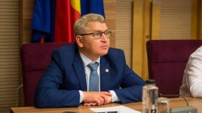 Florin Roman anunta ca PNL va ataca la CCR proiectele de rectificare bugetara daca vor fi adoptate de Parlament. UDMR si ALDE voteaza pentru majorarea pensiilor cu 40%