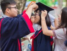 Foarte multi chinezi revin astazi in tara lor dupa ce au studiat in strainatate