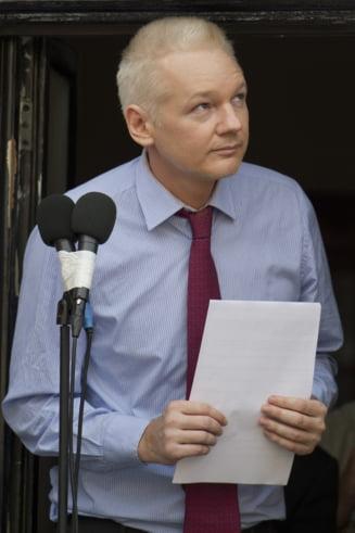 Fondatorul Wikileaks: SUA comit abuzuri si corup Romania in cel mai grav mod