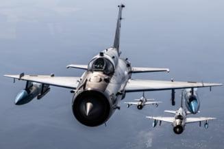 Fortele Aeriene Romane au interceptat doua bombardiere si doua avioane de vanatoare ale Rusiei