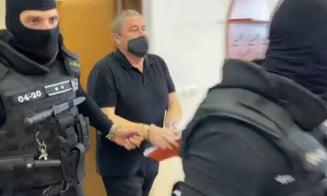 Fost procuror de rang înalt din Slovacia, condamnat la ani grei de închisoare. Este acuzat că a luat mită pentru a proteja mafia