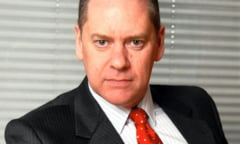 Fost sef al serviciilor de informatii britanice, angajat la HSBC sa combata spalarea de bani