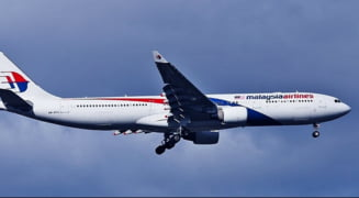 Fost sef din aviatie: Zborul MH370, doborat de americani