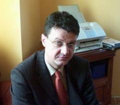 Fosti decani din Oradea, trimisi in judecata pentru eliberarea de diplome false