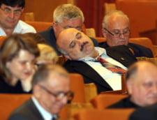 Fostii parlamentari au pensii speciale de pana la 12.000 de lei pe luna