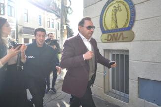 Fostul deputat PSD, Cristian Rizea, ramane cu sentinta de patru ani si opt luni de inchisoare. Inalta Curte respinge recursul in casatie