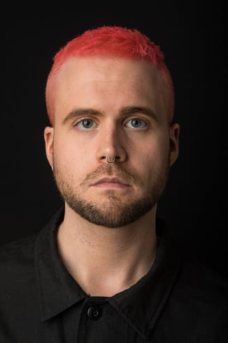 Fostul director de cercetare al Cambridge Analytica, Chris Wylie, vine la How to Web 2018