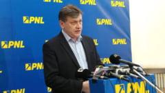 """Fostul lider PNL Crin Antonescu nu crede în refacerea coaliției cu USR: """"Niciodată nu am simțit atâta ostilitate între două partide"""""""
