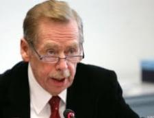 Fostul lider ceh Vaclav Havel, spitalizat din cauza unor probleme respiratorii