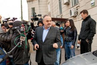 """Fostul ministru Gabriel Sandu nu a fost liberat conditionat, pentru ca e un infractor din categoria """"gulerelor albe"""" - motivarea instantei"""