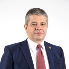 """Fostul ministru al Sanatatii Florian Bodog afirma ca etapa a doua a campaniei de vaccinare anti COVID-19 a debutat """"maxim cu stangul"""""""
