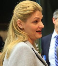 Fostul ministru al Transporturilor, Ramona Manescu, a obtinut in instanta daune morale de 4.000 de euro de la RISE Project