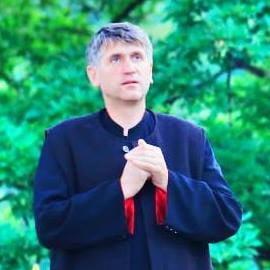 Fostul preot Pomohaci a fost pus sub acuzare, pentru ca nu a declarat 152.000 de euro la stat