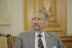 Fostul presedinte Emil Constantinescu a fost operat la Spitalul Militar