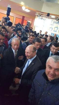 Fostul presedinte Traian Basescu a luat parte la lansarea candidatilor PMP Teleorman