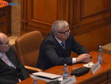 Fostul presedinte al CCR, Augustin Zegrean: Este regretabil ca s-a ajuns aici. Nu il inteleg pe ministrul Justitiei cum a lasat doi autodidacti sa faca Codurile Penale