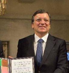 Fostul presedinte al Comisiei Europene: Am avut un rol discret de mediere intre Basescu si Ponta