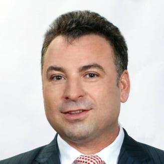 Fostul primar PSD al orasului Navodari, Nicolae Matei, anchetat dupa ce ar fi oferit cetatenilor pungi cu diverse produse inscriptionate cu insemnul partidului