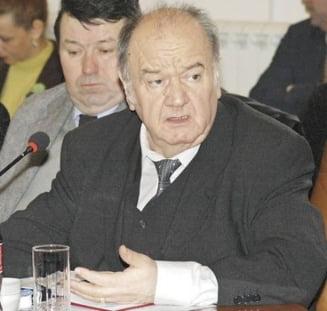 Fostul rector al Universitatii din Oradea, condamnat la inchisoare pentru inselaciune