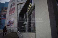Fostul sediu al uneia dintre cele mai mari banci de la Botosani transformat in magazin de perdele si covoare - GALERIE FOTO