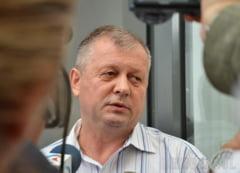 """Fostul sef al Casei de Pensii Bihor, condamnat la inchisoare pentru ca primea """"atentii"""" pentru a tolera coruptia: """"Am considerat sumele de bani un cadou"""""""