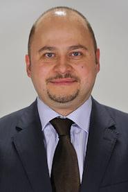 Fostul senator UDMR Olosz Gergely, abia condamnat, a fost dat in urmarire nationala si in consemn la frontiera